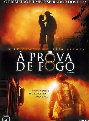 capa de filme bombeiro apagando fogo e casal juntos