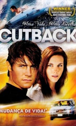 imagem capa Cutback – Uma vida, uma escolha - casal de personagens juntos, onda e home surfando do mar