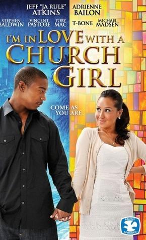 homem de camisa presenta de mãos dadas com mulher de roupa branca um olhando para o outro - capa de filme